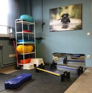 Übungsbereich mit Geräten
